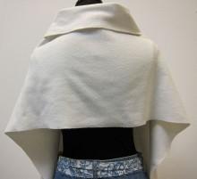 REF14346achterkant-witte-sjaal-met-zakken