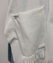 REF14346detail-witte-sjaal-met-zakken