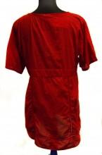 REF14363-jurkje-rood-met-palletjes-achterkant